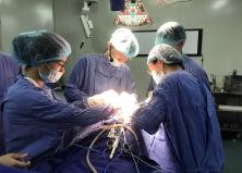 Ứng dụng thiết bị bảo vệ dây thần kinh gây méo mặt, mất giọng nói cho bệnh nhân phẫu thuật vùng đầu mặt cổ