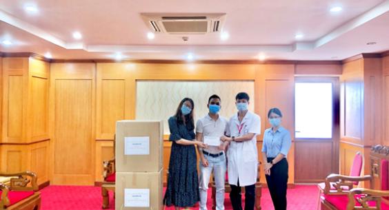Bệnh viện Tai Mũi Họng Trung ương tiếp nhận 5000 khẩu trang phòng, chống dịch COVID-19